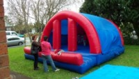 thumbs_bouncy-castle-courtesy-patumahoe-fire-brigade
